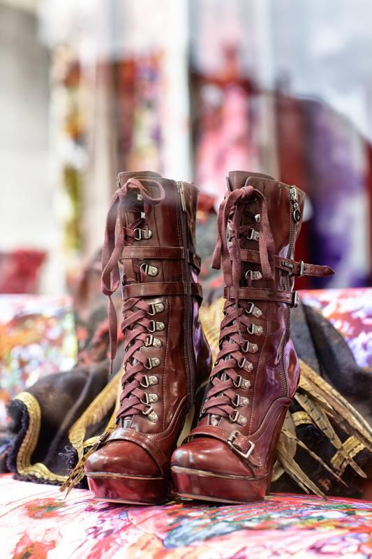 tb shop n shoes